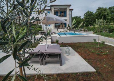 villa-marija-klara-exterijer-bazen-14